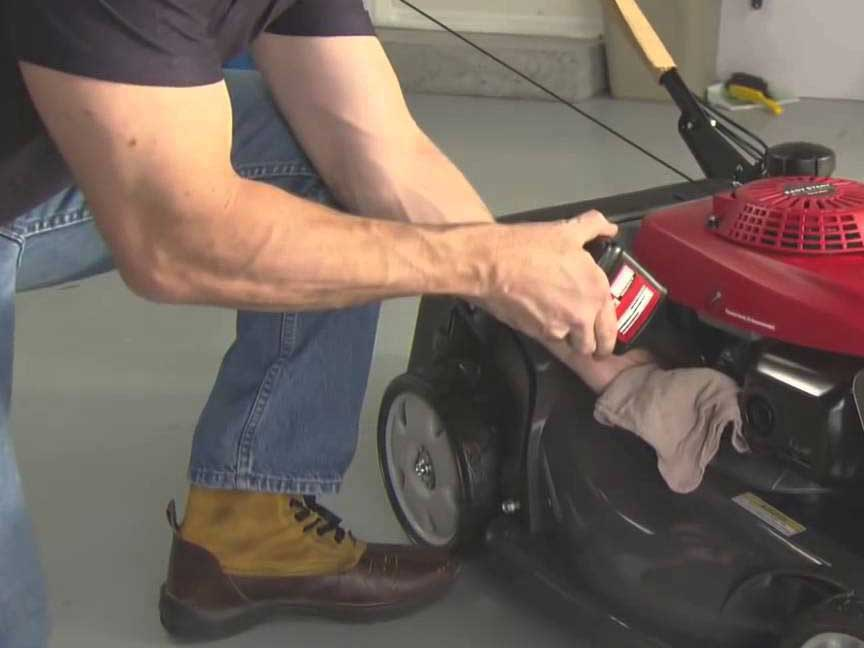 Lawn Mower Maintenance Oil